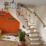 Бетонная лестница на косоуре фото