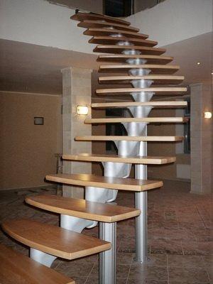 Винтовая лестница из металла фото