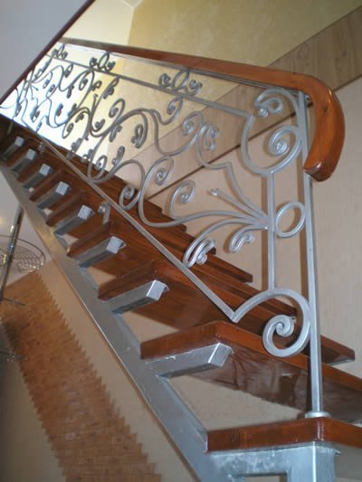 Косоуры для лестниц своими руками из металла