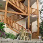 Деревянная наружная лестница