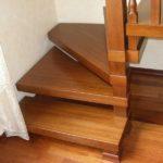 Забежная деревянная лестница фото