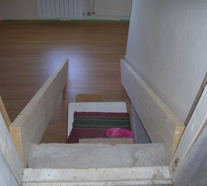 Прямая маршевая лестница из дерева