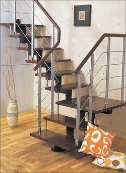Прямая металлическая лестница фото