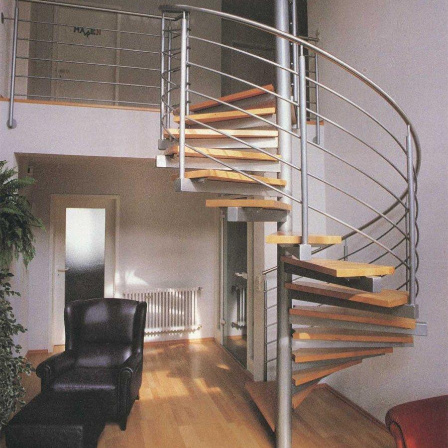 Металическая поворотная лестница фото