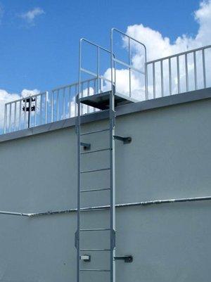 Наружная лестница без ограждения