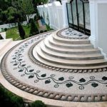 Наружная лестница из камня