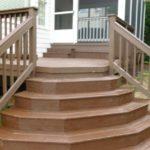 Наружная лестница из массива