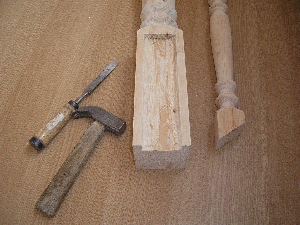 Изготовление столбов и балясин своими руками фото