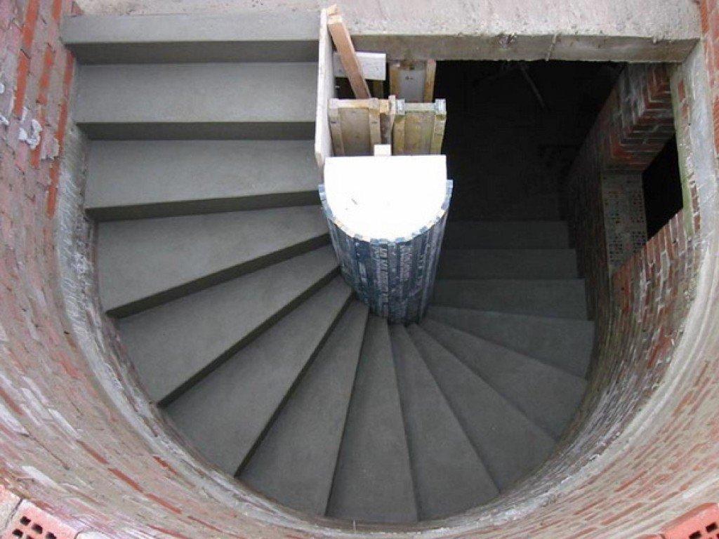 Лестница, ведущая в подвал