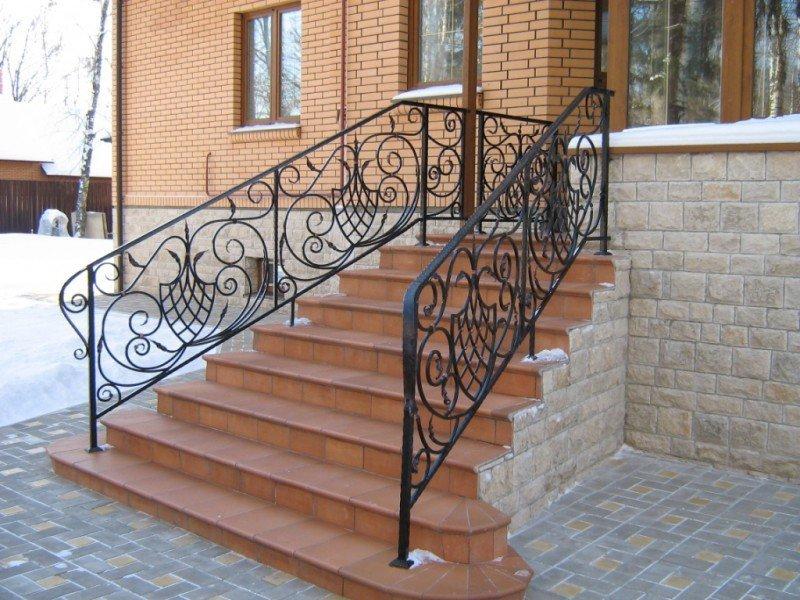 Ограждение для лестниц своими руками