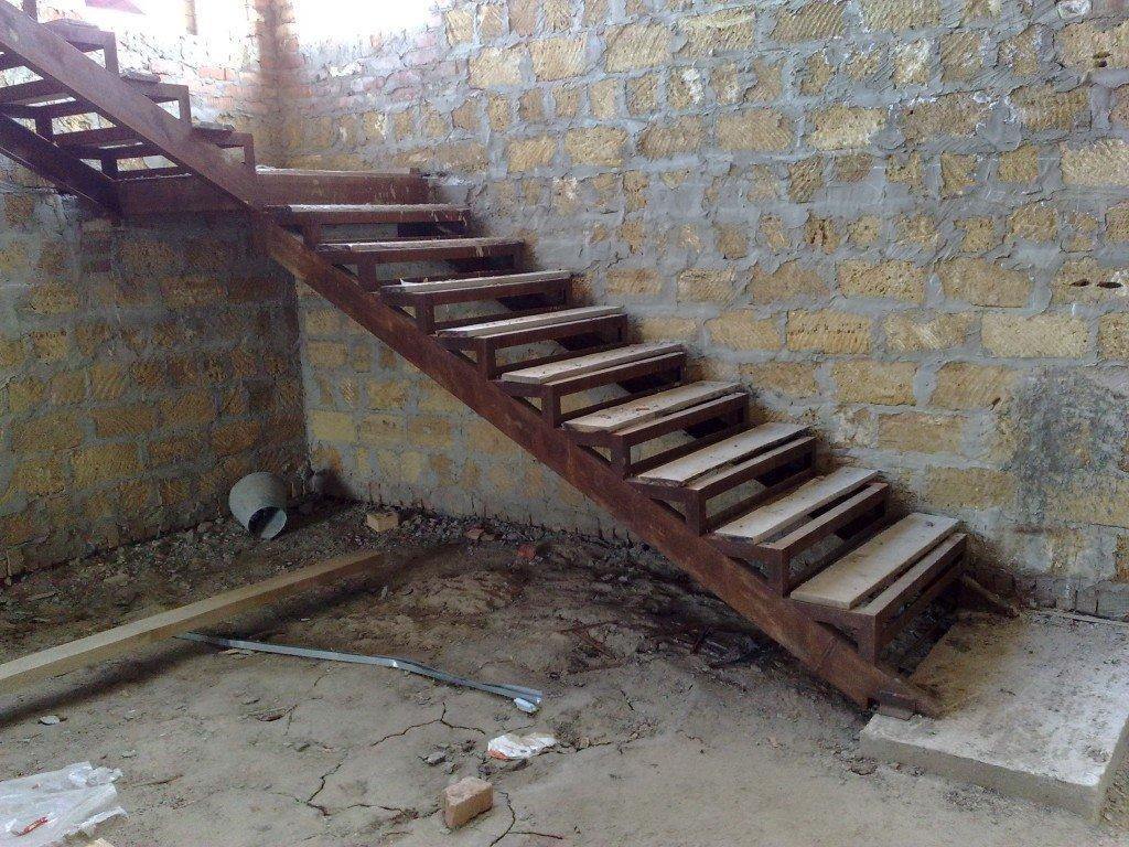 Лестницы из швеллера и уголка своими руками