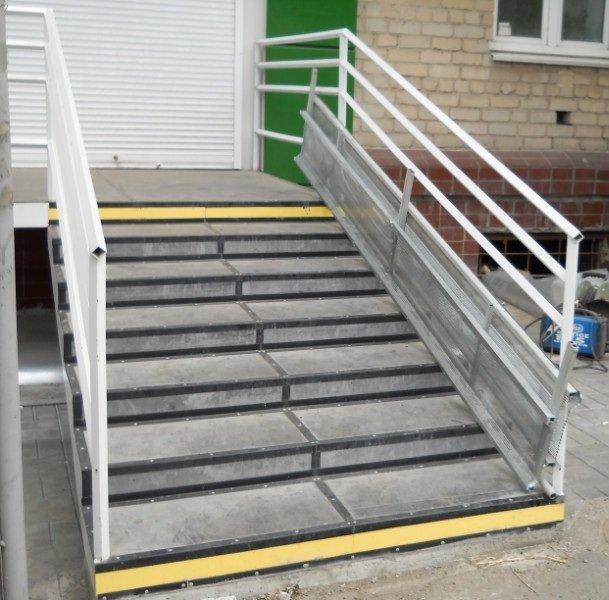 Как сделать съезд для инвалидной коляски