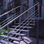 Перила из нержавейки для уличной лестницы