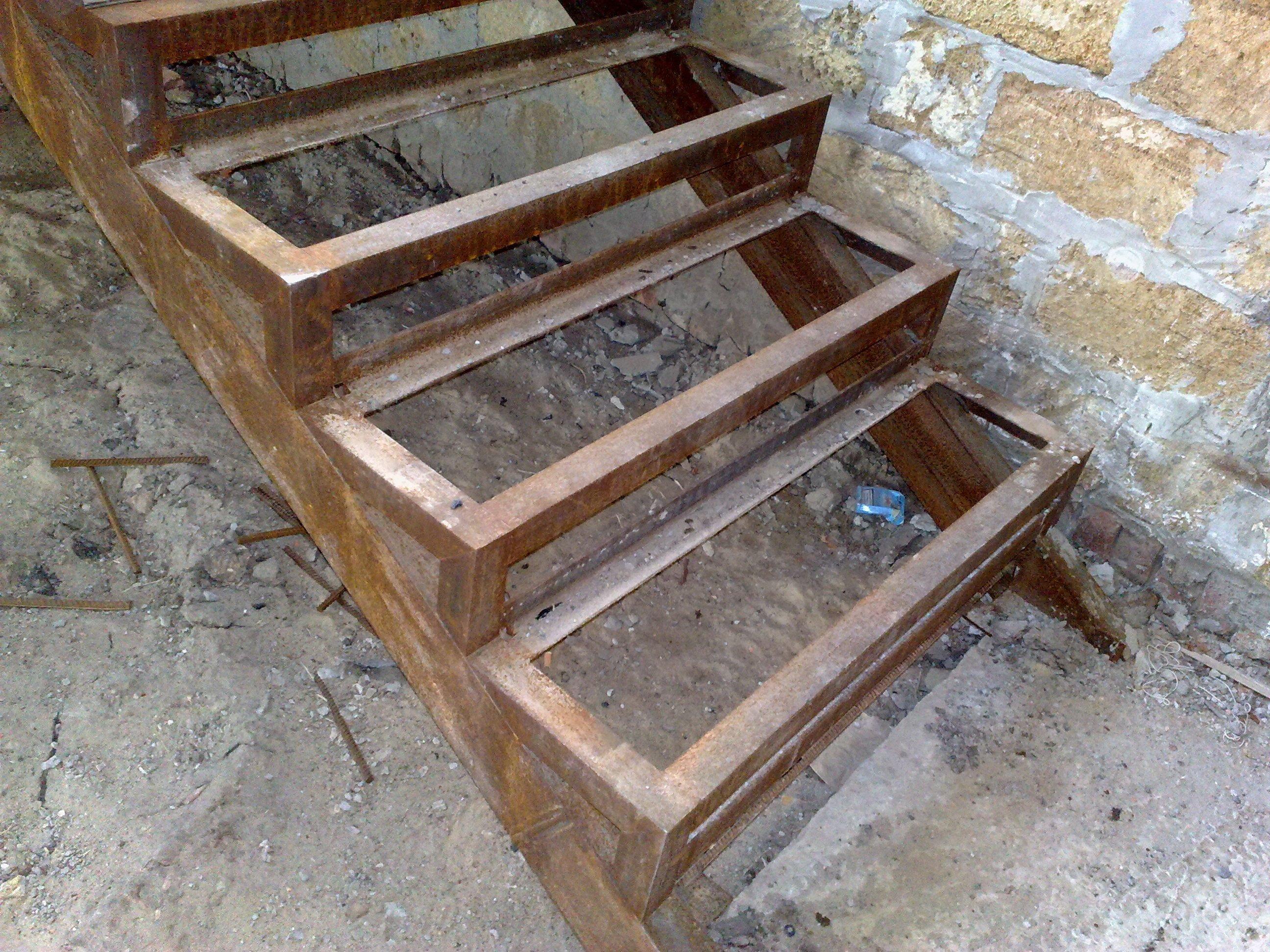 Металлическая лестница своими руками фото