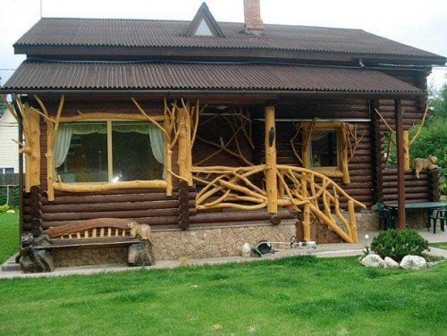Деревянные перила для крыльца