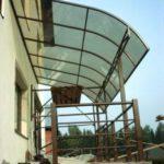 Крыша из поликарбоната для балкона