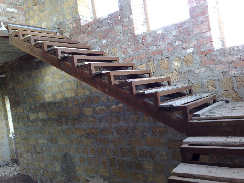Металлическую лестницу своими руками