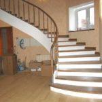 Монолитная бетонная лестница на косоурах