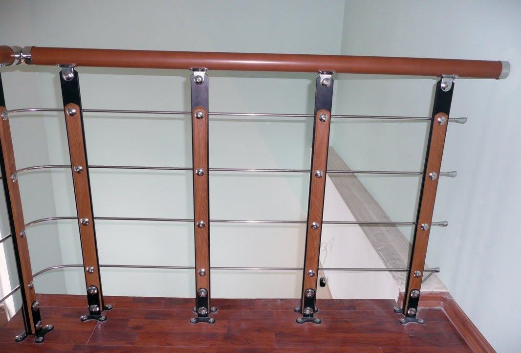 Пластиковый поручнь для лестницы