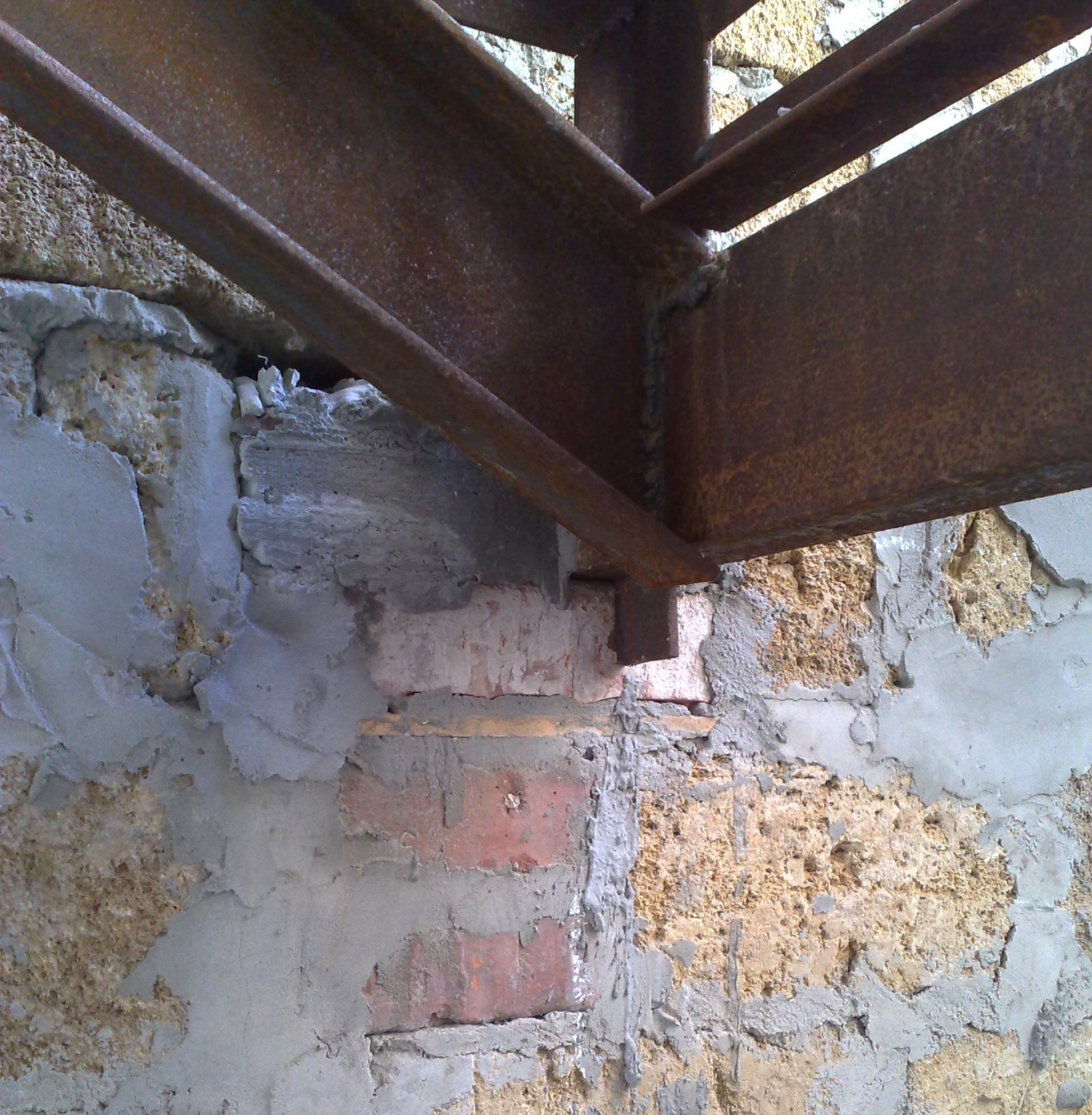 Угловая лестница своими руками