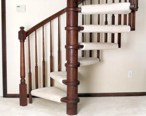 Поворотная лестница на столбе и больцах