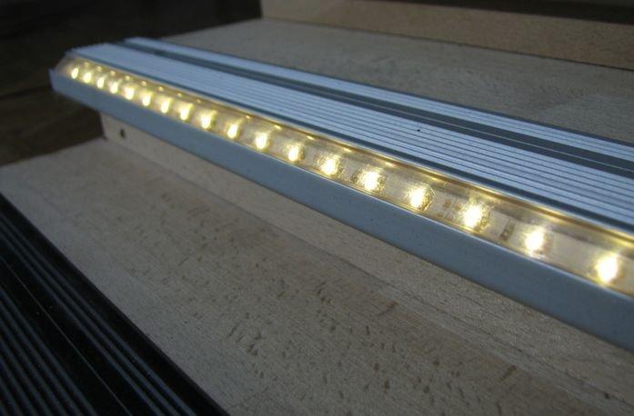 Алюминиевый профиль для подсветки ступеней светодиодной лентой