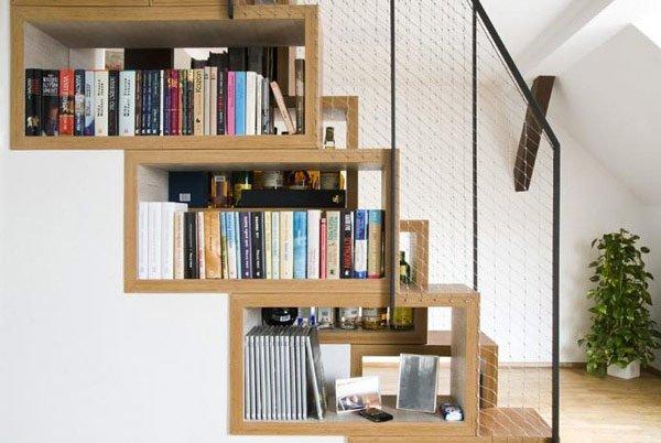 Как сделать библиотеку под лестницей