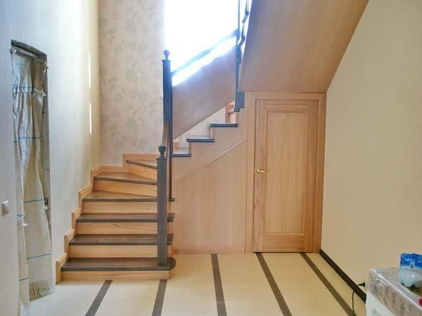 Закрытая лестница в доме своими руками