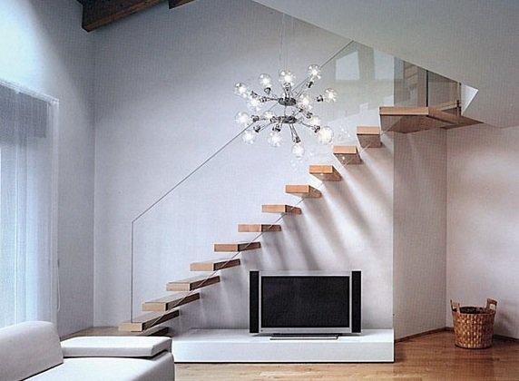 Люстра для лестницы фото