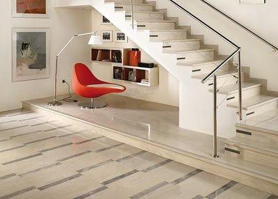Офис под лестницей фото