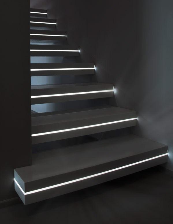 Подсветка лестницы с датчиком движения фото