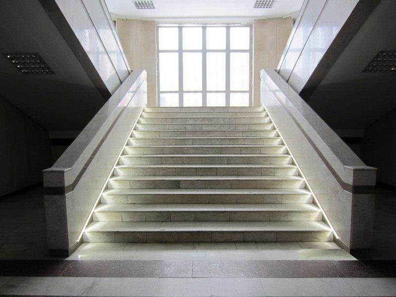 Подсветка ступеней лестницы своими руками