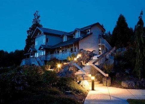 Подсветка уличной лестницы фото