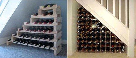 Стеллажи для бутылок под лестницей