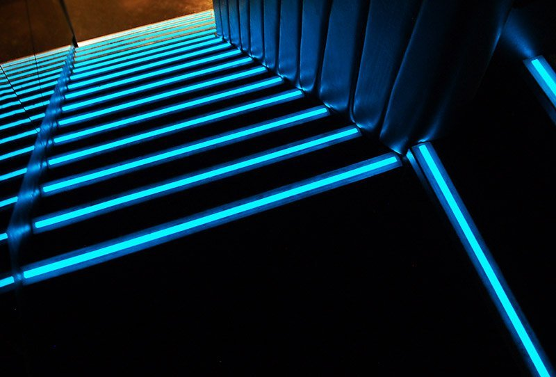 Как сделать подсветку в ступенях