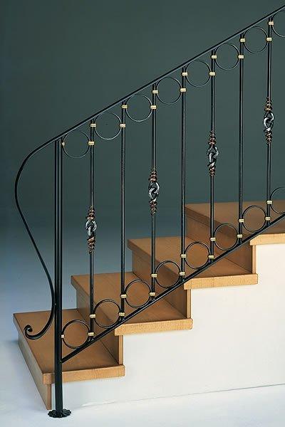 Металлические стойки лестниц фото