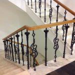 Чугунные балясины для лестницы фото