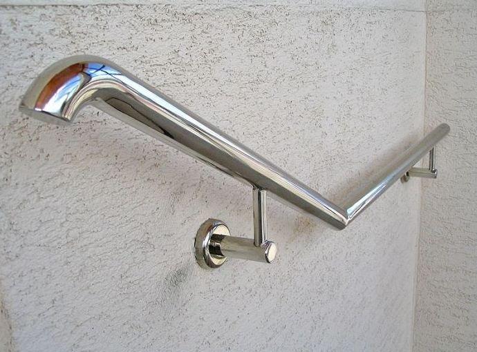 Металлические поручни для лестниц фото