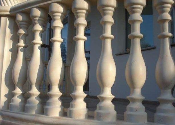 Изготовление балясин из искусственного мрамора фото