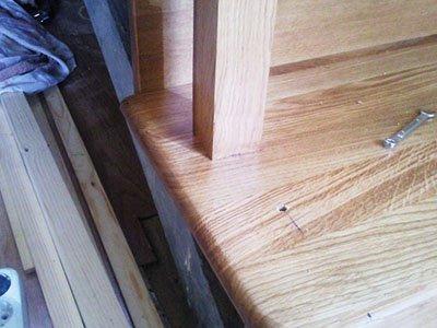 Как крепить деревянные балясины видео