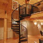 Металлическая поворотная лестница фото