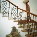 Металлические балясины для лестниц фото