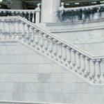 Мраморная балюстрада лестницы фото