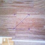 Установка деревянных балясин на лестницу