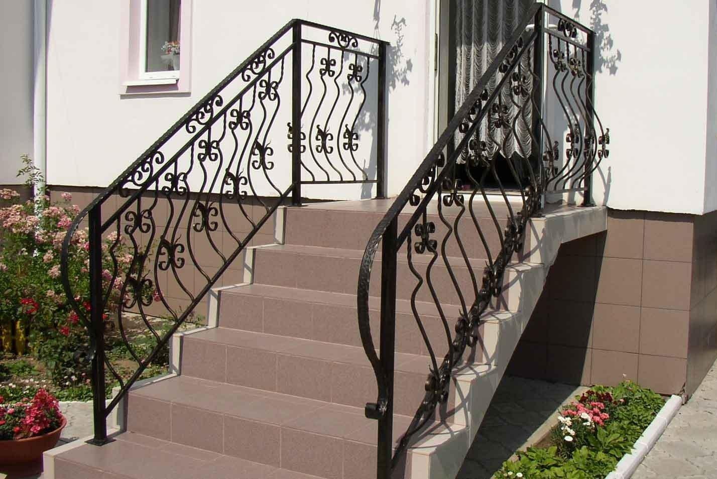 Железные ограждения лестниц фото