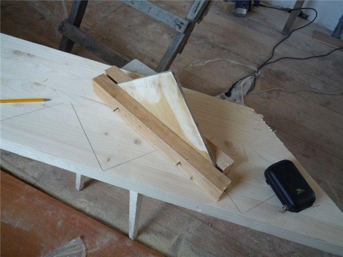 Лестница своими руками поворотная деревянная 83