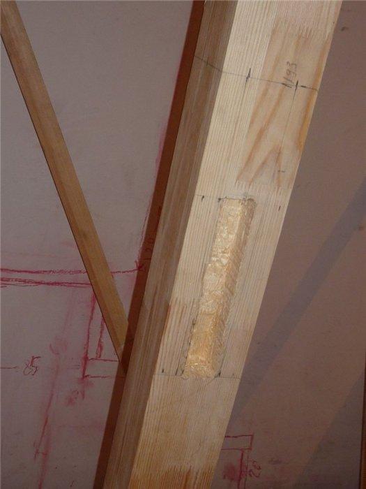 Опорный столб для лестницы фото