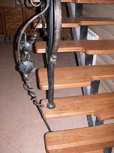 Металлическая лестница утиный шаг видео