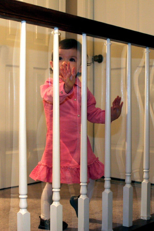 Как обезопасить лестницу для детей