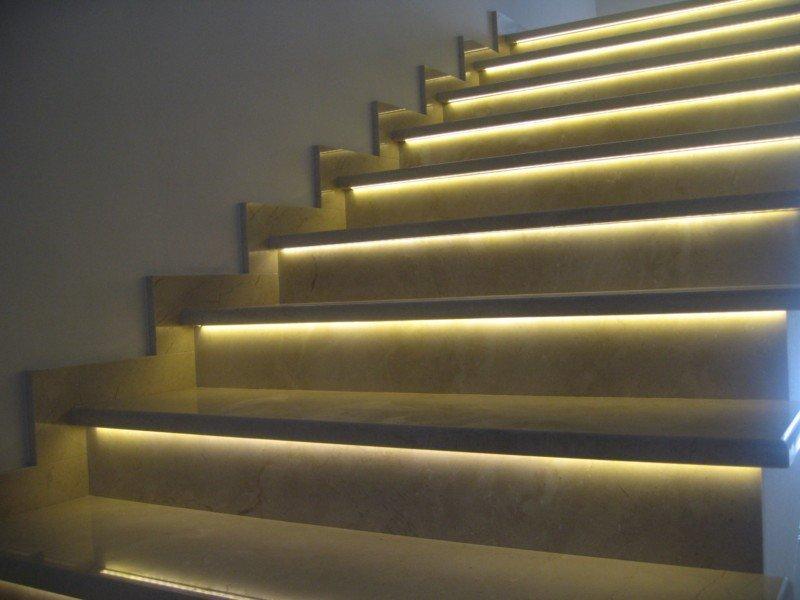 Освещение лестничных маршей — подсветка ступеней и пролетов лестницы
